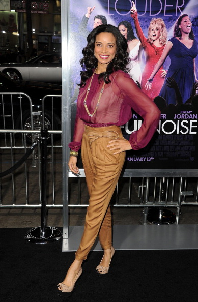 "Nude Colored「Premiere Of Warner Bros. Pictures' ""Joyful Noise"" - Arrivals」:写真・画像(14)[壁紙.com]"