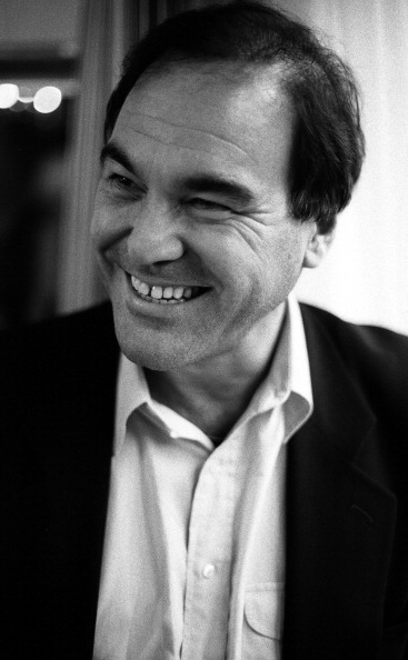縦位置「Oliver Stone London 1994」:写真・画像(16)[壁紙.com]