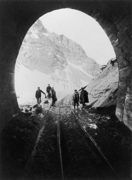 Arch - Architectural Feature「Summit Tunnel」:写真・画像(12)[壁紙.com]