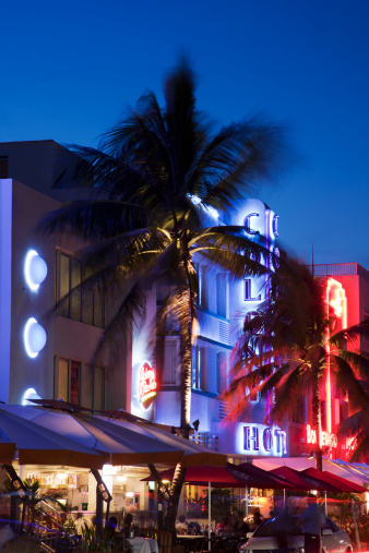 Miami Beach「Arte Deco building in Ocean Drive」:スマホ壁紙(15)