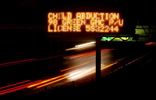 Dawn「FILE PHOTO  Bush Signs Bill Making Amber Alert System Official 」:写真・画像(18)[壁紙.com]