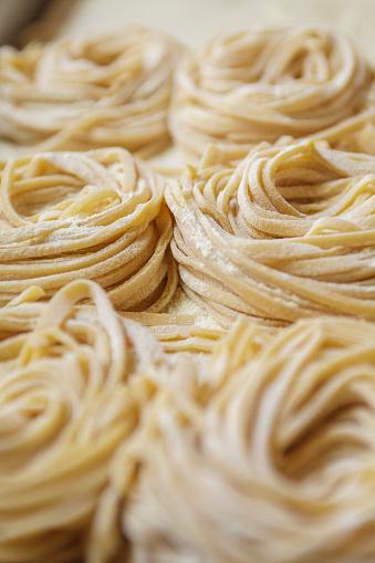 Italian Culture「Fresh pasta being made in a Rome restaurant.」:スマホ壁紙(6)