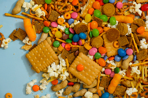 Licorice「Messy Pile Of Snack Foods」:スマホ壁紙(17)
