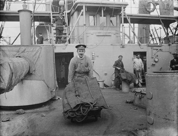 Flowing「HMS Dido」:写真・画像(2)[壁紙.com]