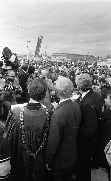 City Life「Taoiseach Garret Fitzgerald Opening a Toll Bridge 1984」:写真・画像(10)[壁紙.com]