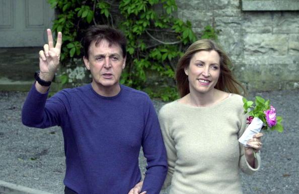 Fiancé「{FILE PHOTO) Sir Paul And Heather Mills Announce Pregnancy」:写真・画像(2)[壁紙.com]