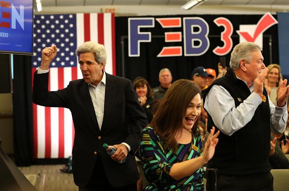 John Kerry「Democratic Presidential Candidate Joe Biden Campaigns In Iowa」:写真・画像(12)[壁紙.com]