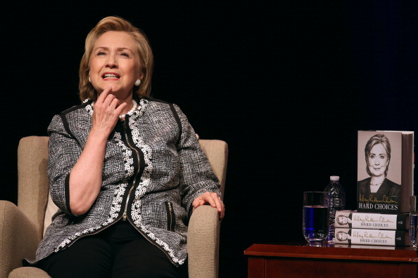 New「Hillary Clinton Discusses Her New Book In Washington, DC」:写真・画像(19)[壁紙.com]