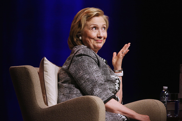 Politician「Hillary Clinton Discusses Her New Book In Washington, DC」:写真・画像(11)[壁紙.com]