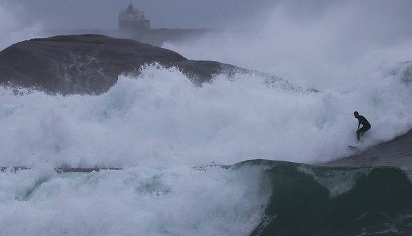 Rio「Winter Swells Bring Big Waves To Rio De Janeiro」:写真・画像(3)[壁紙.com]