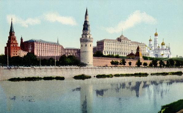 Neva River「Kremlin in Moscow, by the river Neva, early 20th century. Pre-Bolshevik, Pre-Revolution Russia.」:写真・画像(18)[壁紙.com]