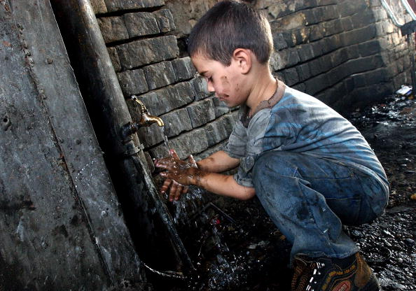 Brick Wall「Iraqi Children Pushed Into Work By War And Poverty」:写真・画像(9)[壁紙.com]