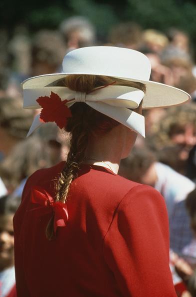Hair Bow「Duchess In Canada」:写真・画像(1)[壁紙.com]