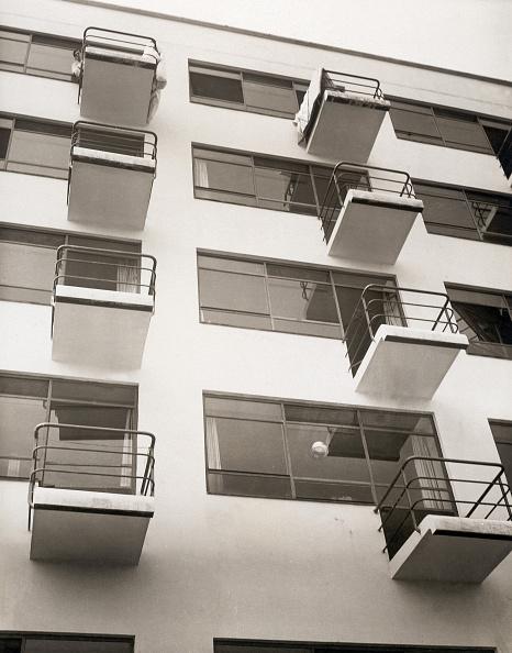 Architecture「Gropius Bauhaus in Dessau」:写真・画像(13)[壁紙.com]