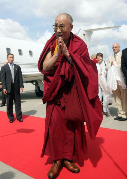 Tibetan Buddhism「Dalai Lama Arrives In Hamburg」:写真・画像(16)[壁紙.com]
