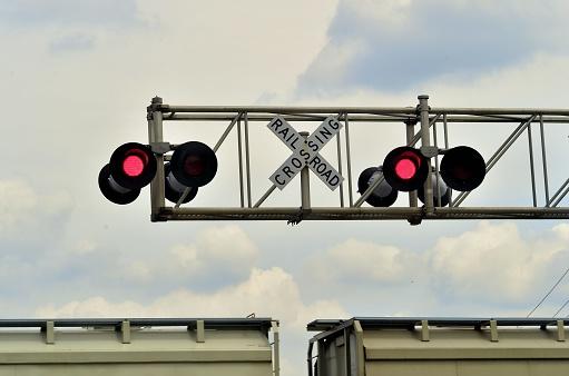 英字「Highway Crossing Signals」:スマホ壁紙(18)