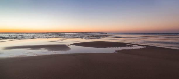 Water patterns in beach at Dusk,North Stradbroke Island,Queensland,Australia:スマホ壁紙(壁紙.com)