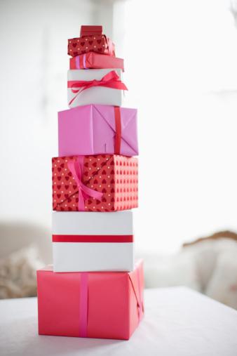Valentine's Day - Holiday「Stack of Valentine's Day gifts」:スマホ壁紙(1)