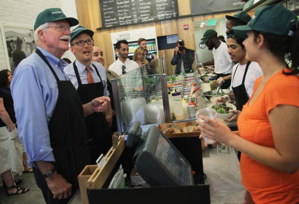 Labor Secretary Perez Discusses Raising Minimum Wage During Visit To DC Restaurant:ニュース(壁紙.com)