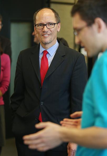 Corporate Business「U.S. Labor Secretary Tom Perez Visits Siemens Training Center」:写真・画像(0)[壁紙.com]
