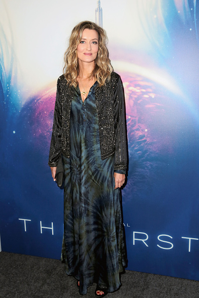 "Long Dress「Hulu's ""The First"" Los Angeles Premiere」:写真・画像(3)[壁紙.com]"