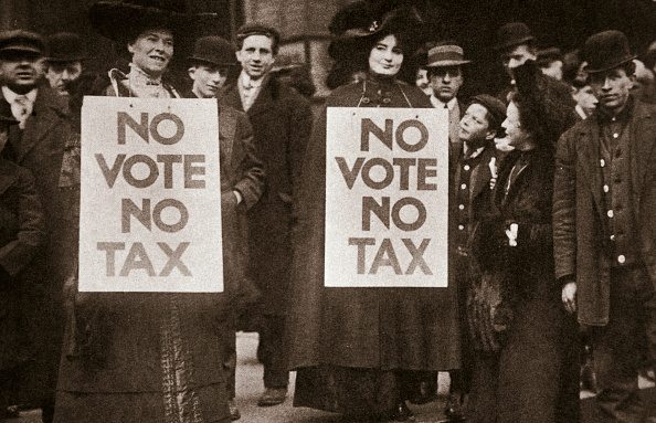 1900-1909「Janet M Cole And Hazel Philip Campaigning For Votes For Women Chicago USA 1905」:写真・画像(14)[壁紙.com]