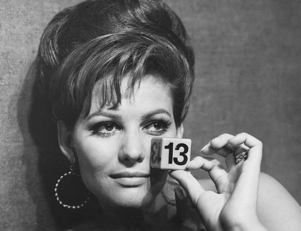 Number「Claudia Cardinale」:写真・画像(7)[壁紙.com]
