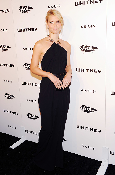 Halter Top「2010 Whitney Gala And Studio Party - Arrivals」:写真・画像(8)[壁紙.com]