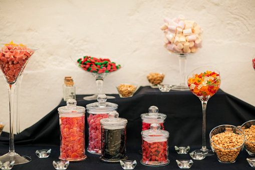 Peanut - Food「Candy bar table with jars of sweets」:スマホ壁紙(14)