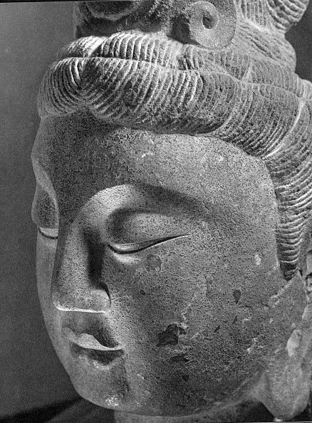 Bodhisattva「A Head Of Bodhisattva. Country Of Origin: China Period & Place Of Origin: Early T'Ang Dynasty.  Ad61 Artist: Werner Forman.」:写真・画像(5)[壁紙.com]