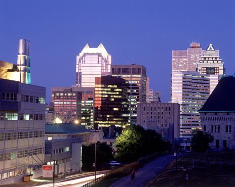 Postmodern「Montreal at night」:スマホ壁紙(16)