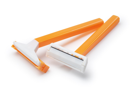Blade「Yellow basic pair of razors in white background」:スマホ壁紙(9)