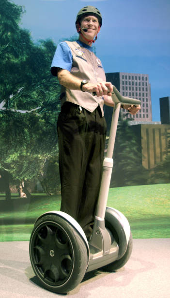 FILE PHOTO - Segway Recalls All Its Human Transporters:ニュース(壁紙.com)