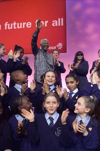 Surrounding「Labour Party Conference 2000」:写真・画像(12)[壁紙.com]