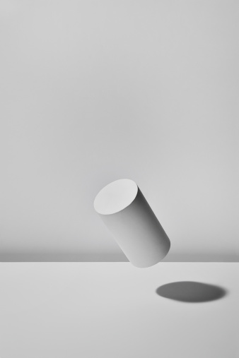 Cylinder「Floating Column  with white background」:スマホ壁紙(11)