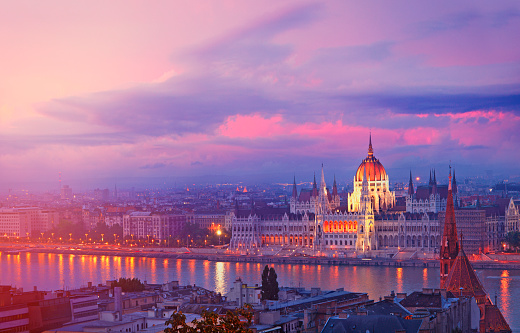 Hungary「Hungarian Parliament Building in Budapest」:スマホ壁紙(13)