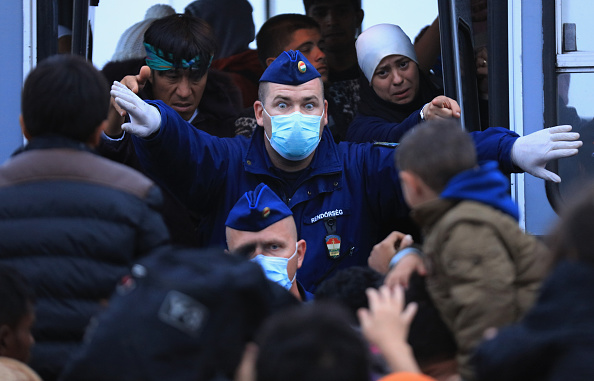 Hungary「Migrants Arrive In Hungary As Fears Grow Over Possible Border Closures」:写真・画像(6)[壁紙.com]