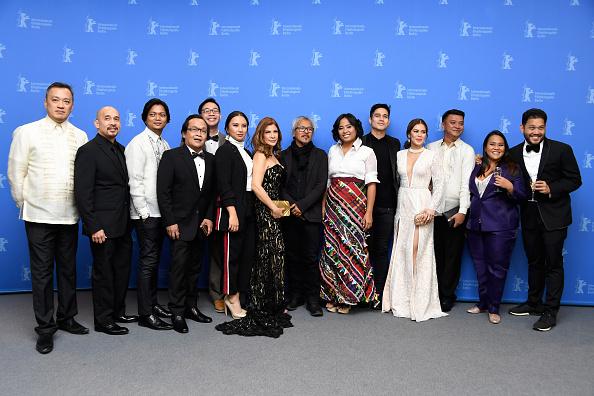 Large Group Of People「'Season of the Devil' Photo Call - 68th Berlinale International Film Festival」:写真・画像(12)[壁紙.com]