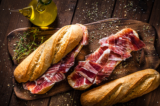 Sandwich「Preparing iberico ham sandwich, spanish bocadillo de jamon iberico」:スマホ壁紙(0)