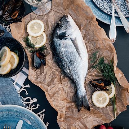 Sea Bream「Sea bream fish food arrangement from above」:スマホ壁紙(16)