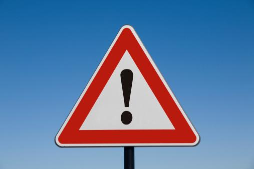 Road Warning Sign「Attention!」:スマホ壁紙(4)