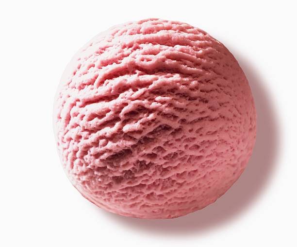Scoop of strawberry ice cream, close-up:スマホ壁紙(壁紙.com)