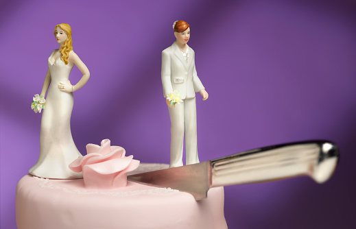 Married「Lesbian couple divorce」:スマホ壁紙(2)
