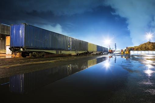 Railway「In port」:スマホ壁紙(3)