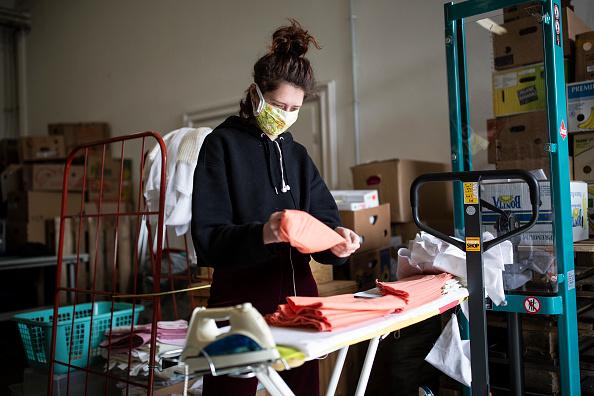 Volunteer「Protestant Charity Provides For The Homeless During The Coronavirus Crisis」:写真・画像(14)[壁紙.com]