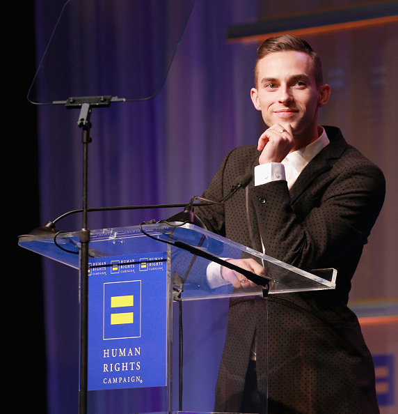 アダム・リッポン「The Human Rights Campaign 2018 Los Angeles Gala Dinner - Show」:写真・画像(16)[壁紙.com]
