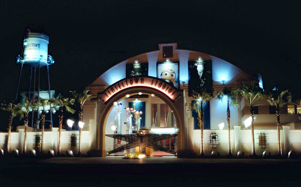 カリフォルニア州ハリウッド「An exterior view of Tinseltown Studios」:写真・画像(19)[壁紙.com]