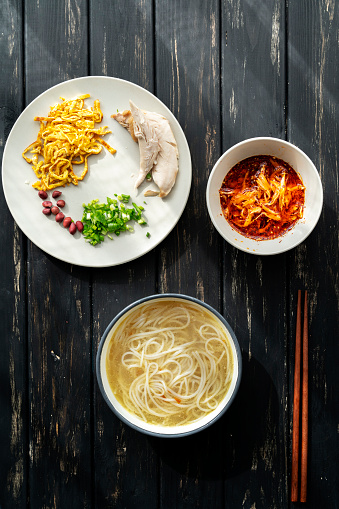 Chili Sauce「rice noodles with spicy shredded chicken meat gravy」:スマホ壁紙(13)
