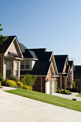 Little Rock - Arkansas「A row of homes in a residential neighborhood」:スマホ壁紙(18)