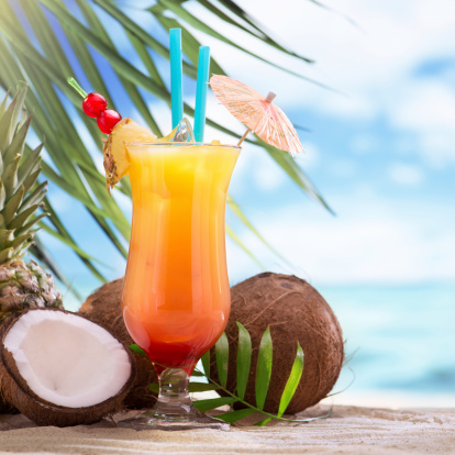 Coconut Water「Tequila sunrise cocktail on the beach」:スマホ壁紙(1)